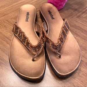 Sz 8.5 Unlisted Kenneth Cole bronze sandals
